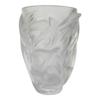"c1982 French Lalique Large Frosted Vase ""Martinets"" For Sale"