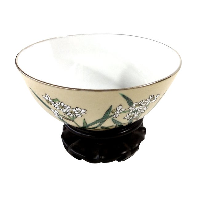 Chinese Porcelain Hand Painted Bowl For Sale