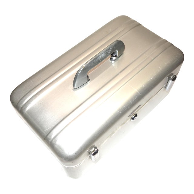 Halliburton Mid Century Cinematographers Mid Size Carry Case. Excellent. ON SALE. For Sale
