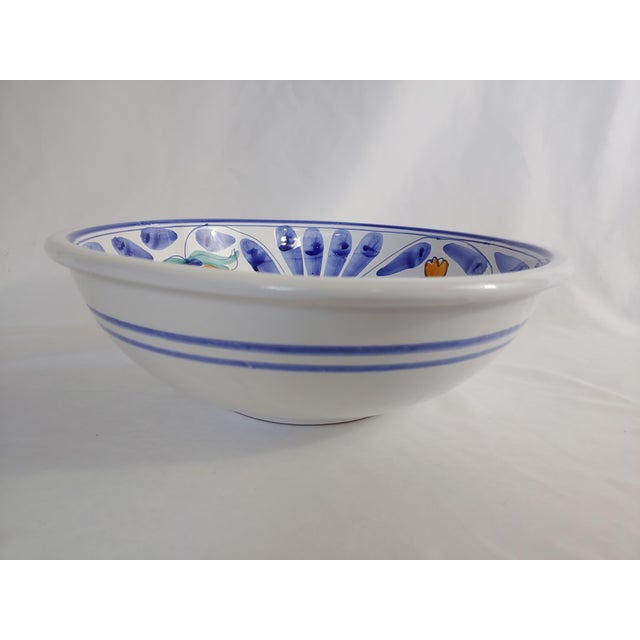 Fresh, ripe Sicilan oranges with blue accents make a versatile, classic 13.5 inch artisan bowl for pastas, salads or...