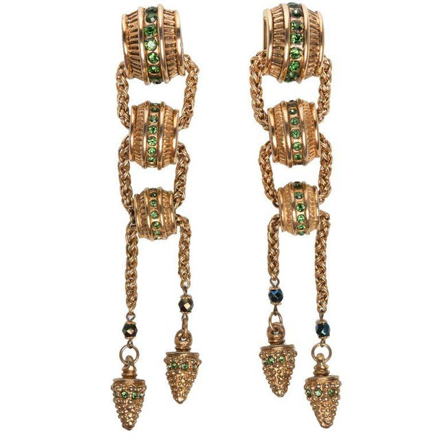 Crystal 1980s Claire Dévé Gold Green Crystal Shoulder Duster Earrings For Sale - Image 7 of 7