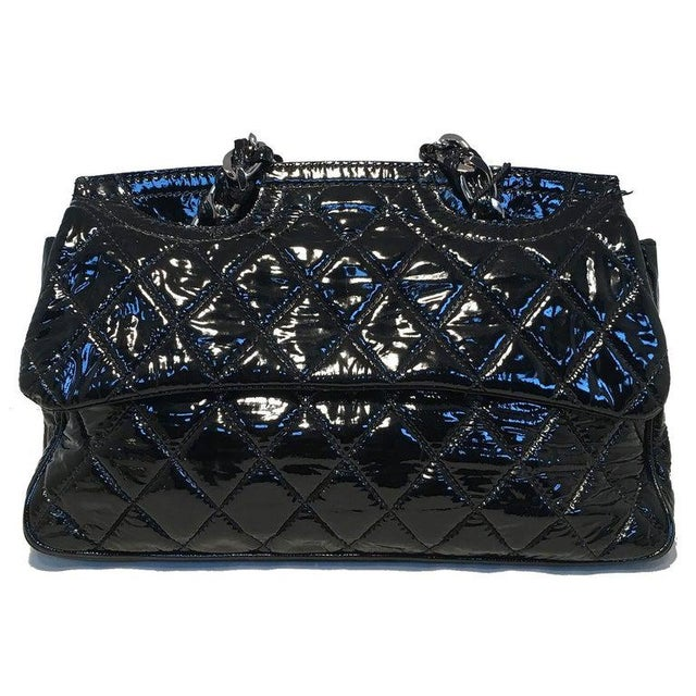 Contemporary Chanel Black Patent Leather 2 Way Classic Flap Shoulder Bag For Sale - Image 3 of 13