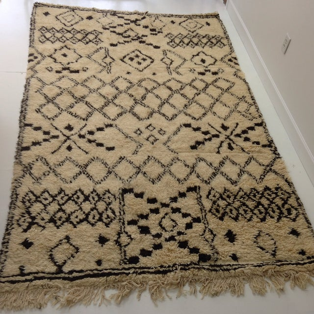 Islamic Authentic Moroccan Beni Ourain Rug - 5′5″ × 8′9″ For Sale - Image 3 of 6