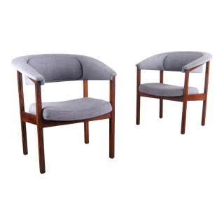 Pair of Mid-Century Barrel Arm Chairs by Umanoff for Madison in Veratile Gray For Sale