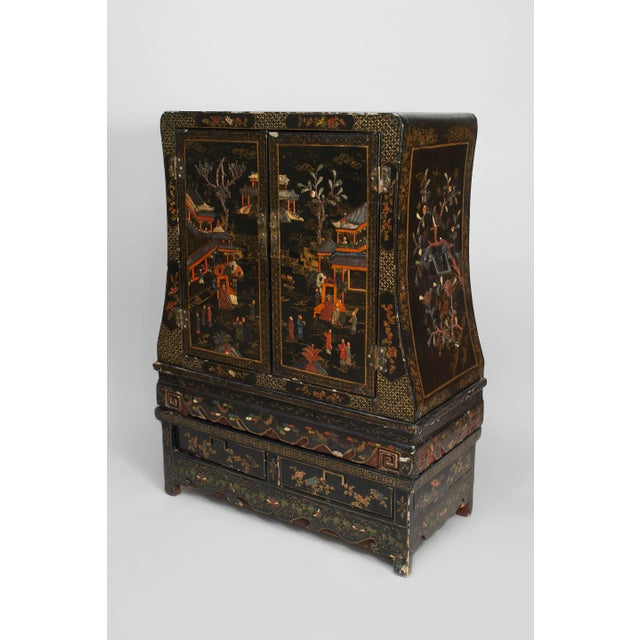 Asian Chinese Style Black Lacquered and Chinoiserie Decorated 2 Door Cabinet For Sale In New York - Image 6 of 6