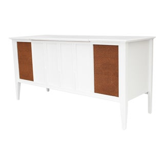 1950s Mid Century Modern Zenith Turntable Record Player Console Credenza