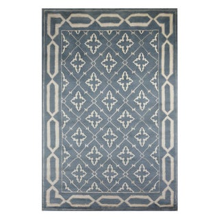 Safavieh Hand-Knotted Transitional Wool and Silk Rug - 6'x9' For Sale
