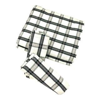 Top Sheet Flat 100% Cotton Handloom Hand Woven White and Black Madras Checks with Pillow Covers For Sale