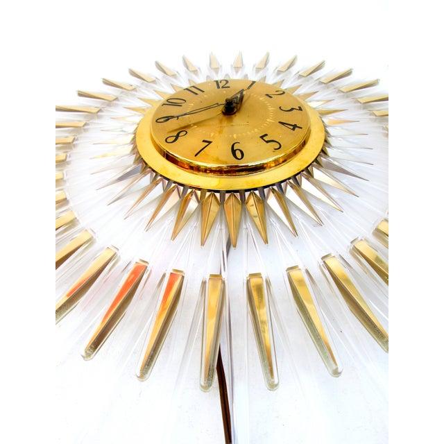 Mid-Century Modern Lucite Starburst Clock - Image 4 of 7