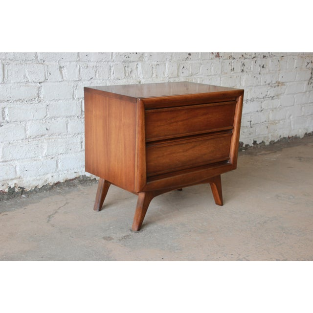 United Mid-Century Sculpted Front Walnut Nightstand - Image 4 of 6