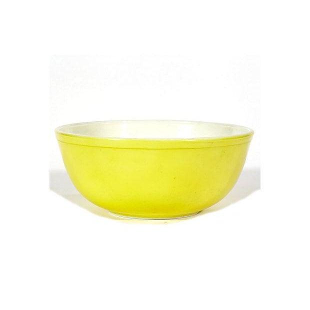 1960s Large Yellow Pyrex Salad Bowl - Image 2 of 3