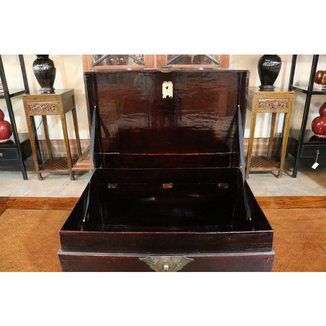 1920s Chinese Black Leather Trunk For Sale In Los Angeles - Image 6 of 7