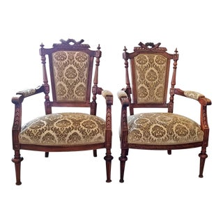 19c Pair of French Louis XVI Style Walnut Armchairs For Sale