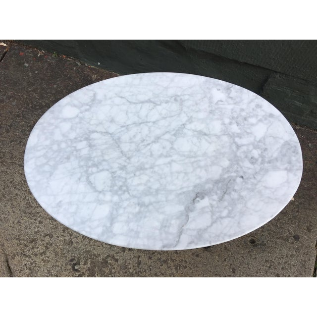 Saarinen for Knoll Oval Marble Side Table For Sale In Philadelphia - Image 6 of 7