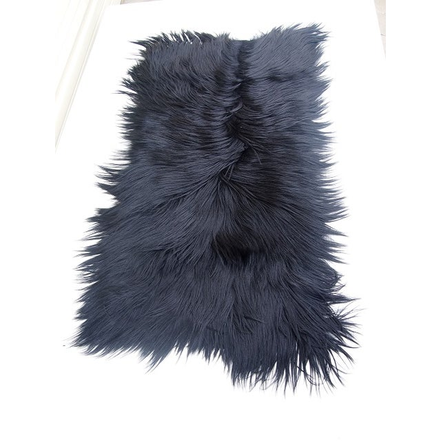 "Black Long-Haired Goat Skin Rug -- 2'1"" x 4' - Image 4 of 4"