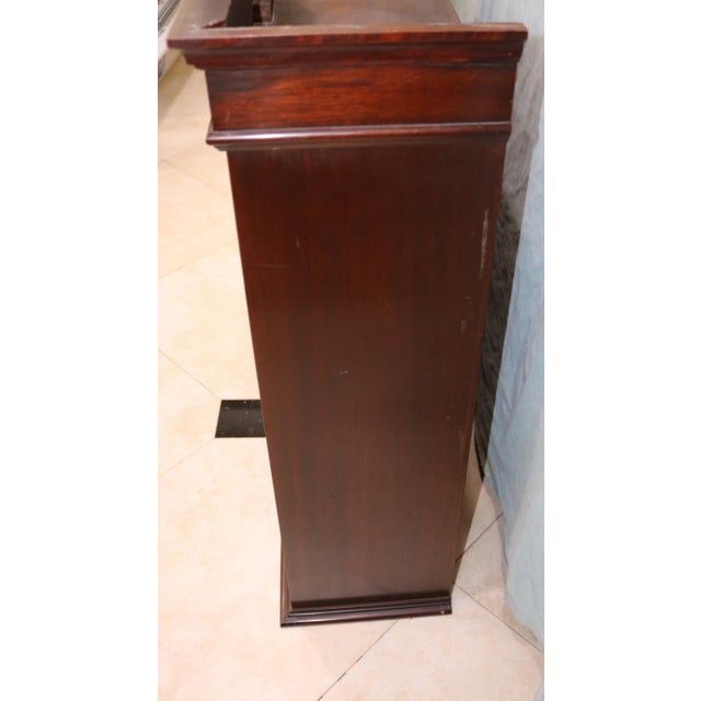 Mid-20th Century Traditional Mahogany Wall Curio Cabinet For Sale In Charlotte - Image 6 of 7
