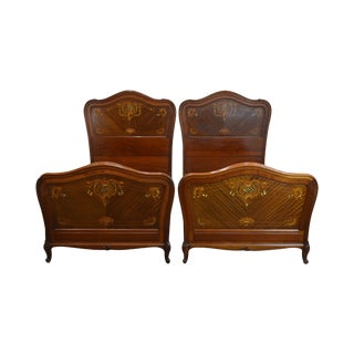 R. J. Horner Antique Mahogany Marquetry Inlaid With Mother of Pearl Pair Twin Beds For Sale