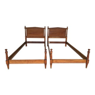 Vintage Mid-Century Kindel Furniture Neoclassical Style Twin Beds - A Pair For Sale