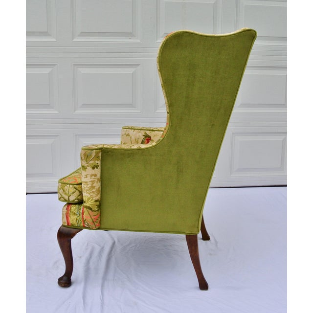 English Traditional Vintage Mid Century Botanical Print Wingback Chair For Sale - Image 3 of 13
