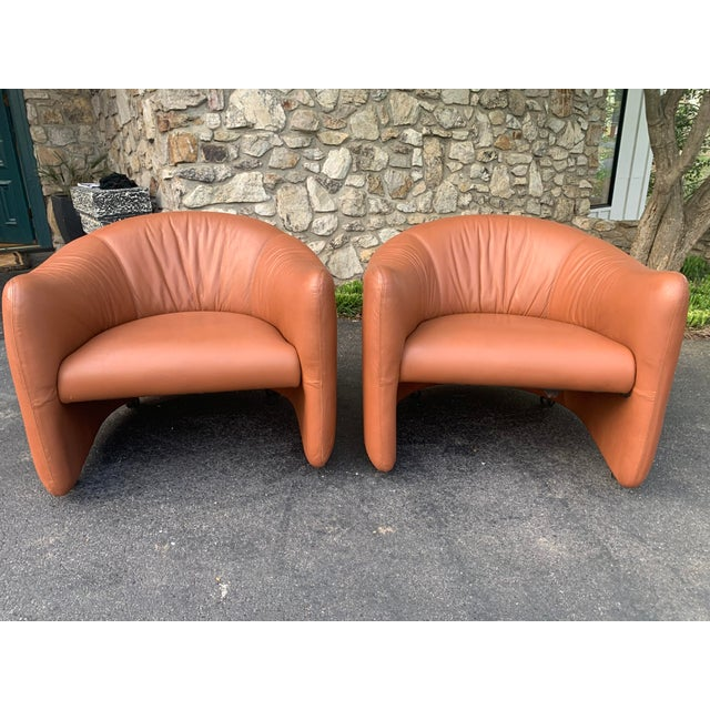1980s Metropolitan Furniture Saddle Leather Club Chairs on Castors - a Pair For Sale In Charlotte - Image 6 of 6