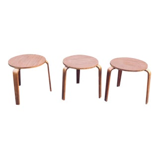 Vintage 1960s Boho Chic Bentwood Tripod Stacking Stools - Set of 3 For Sale