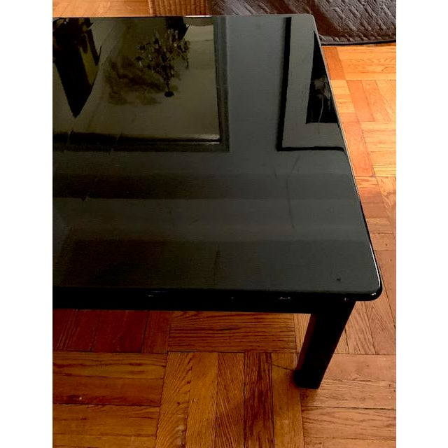 Mid Century Italian Black Lacquered Float Top Coffee Table For Sale In New York - Image 6 of 10