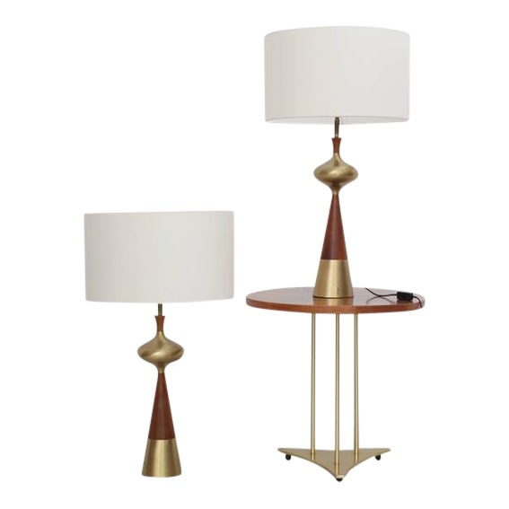 Set of Two Table Lamps in Walnut and Brass by Tony Paul for Westwood, 1950s For Sale