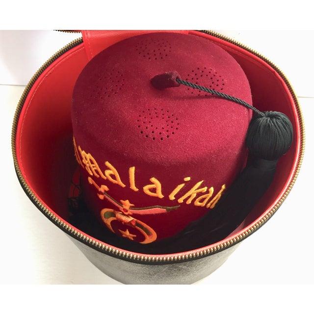 Al Malaikah Iconic Masonic Shriner Burgundy Wool Fez Hat in Original Box For Sale - Image 11 of 12
