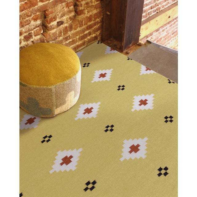 Contemporary Zara Southwestern Yellow Flat-Weave Rug 8'x10' For Sale - Image 3 of 4
