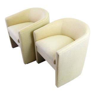 Pair of Barrel Back Tub Chairs in White and Gold Weave Fabric, 1960s For Sale