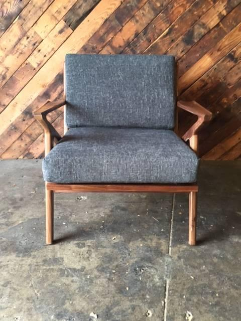 Mid Century Modern Mid Century Selig Style Walnut Z Chair For Sale   Image