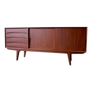 Long Mid Century Modern Credenza Media Stand Sideboard For Sale