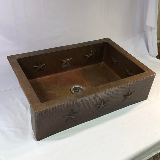 """Early 21st Century Hammered Copper 33"""" Star Apron Sink For Sale - Image 5 of 13"""