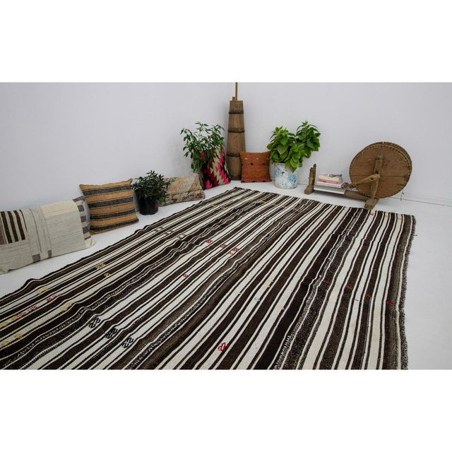 1960s Vintage Brown & White Striped Kilim Rug- 5′8″ × 9′6″ For Sale In Los Angeles - Image 6 of 7