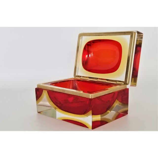 Alessandro Mandruzzato Murano Vintage 1970s Glass Jewelry Box by Alessandro Mandruzzato - Italy Italian Mid Century Modern Palm Beach Chic Tropical Coastal For Sale - Image 4 of 13