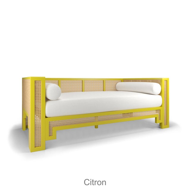 Alexandra Daybed - Citron, Optic White Linen For Sale In Los Angeles - Image 6 of 6