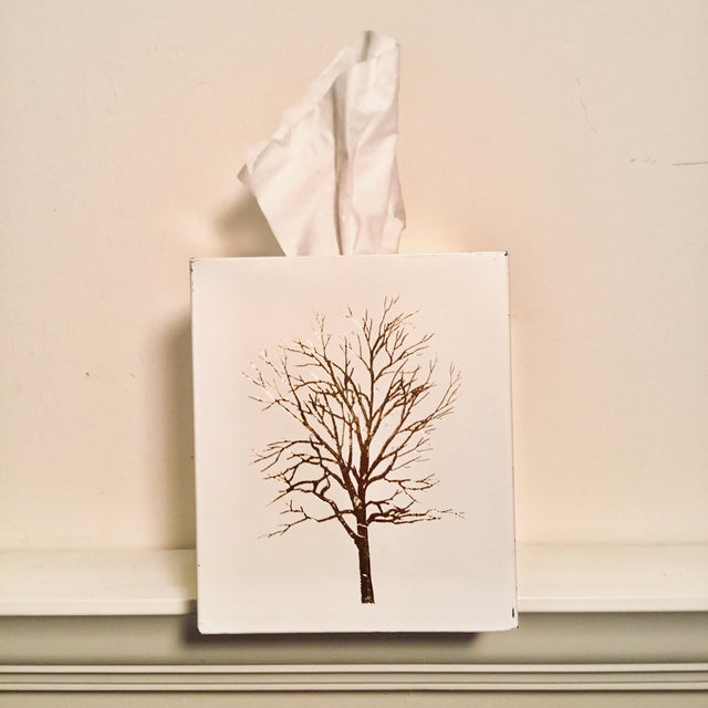 Vintage White Lacquered Plastic Tissue Box With Gold Metallic Abstract Tree Design For Sale - Image 4 of 9
