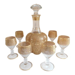 Mid Century Gold Encrusted Glass Liquor Decantor and Cordial Glasses - Set of Six For Sale
