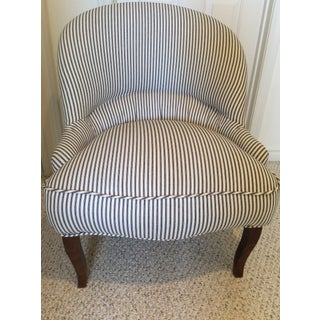 1930s Vintage French Crapaud Chair Preview