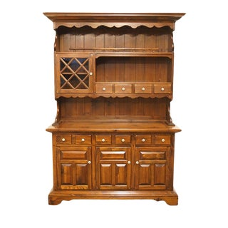 Late 20th Century Vintage Ethan Allen Antiqued Pine Old Tavern Buffet For Sale