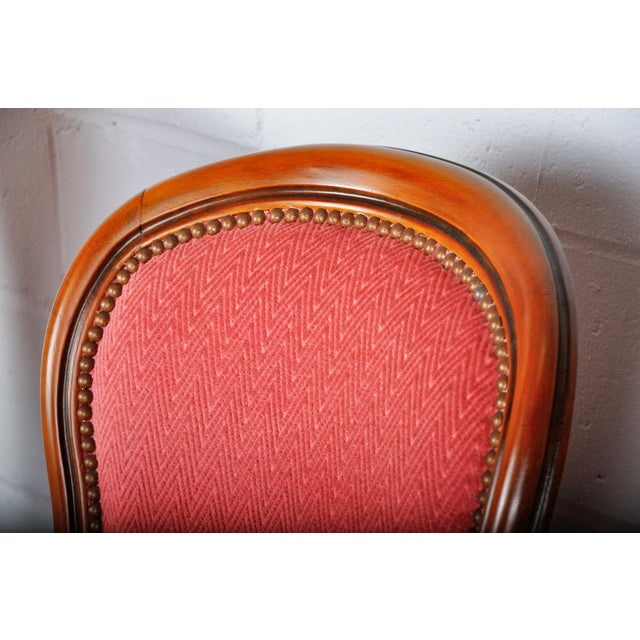 Red 1950s Pair of Vintage French Louis XV Maple Dining Chairs W/ Off-Red Herringbone Wool Upholstery For Sale - Image 8 of 13
