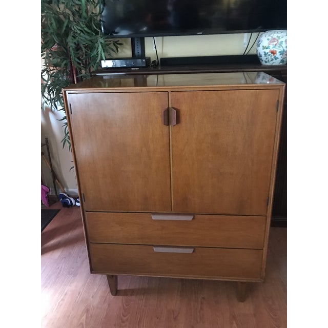 Mid Century Modern Edward Wormley for Dunbar Gentleman's Chest For Sale - Image 13 of 13