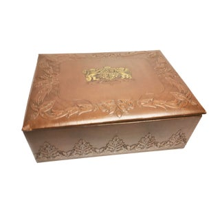 1940s Vintage Smith Crafted Chicago Embossed Leatherette Box For Sale