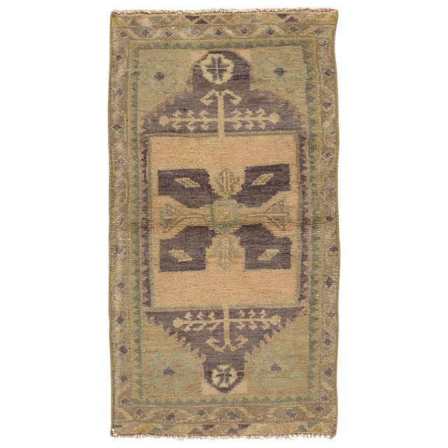 """Turkish Yastik Hand Knotted Wool Rug - 1'7"""" X 3'1"""" For Sale"""