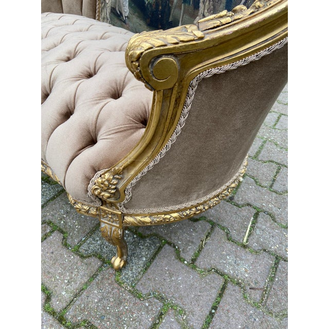 French Louis XVI Style Corbeille Loveseat/Sofa/Marquise For Sale In Miami - Image 6 of 8