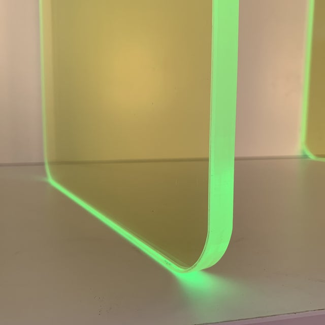 """Memphis Group """"The Side Piece"""" Side Table in Neon Green For Sale - Image 4 of 7"""