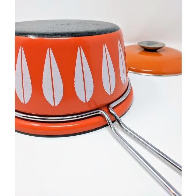 Enamel 1960s Scandinavian Modern Catherineholm Enamel Lotus Sauce Pan For Sale - Image 7 of 11