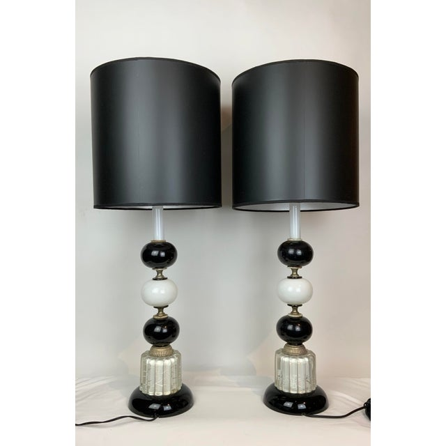 Hollywood Regency 1940s Hollywood Regency Black & White Lamps - a Pair For Sale - Image 3 of 13