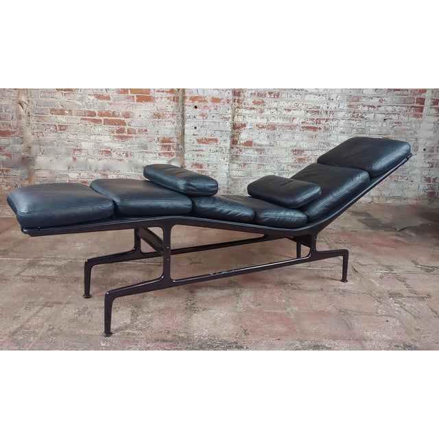 Billy Wilder Chaise Longue By Ray Charles Eames For Herman Miller Size 17 X 76