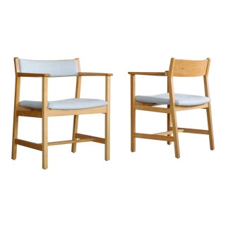 Danish Pair of Side or Armchairs Model 3242 by Borge Mogensen for Fredericia For Sale